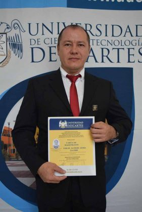 Carlos Ochoa.