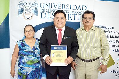 Evelia Arévalo, Daniel Arévalo, Arturo Vela.