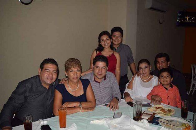 Jesús Ortiz, Sonia Paz, Diana, Daniel Verdugo, Rafael López, Diana Cisneros, Alex Ruiz.