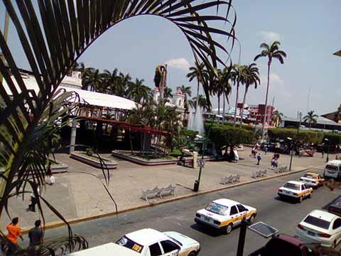 Exhortan a Policías y Comerciantes No Abusar de Turistas en Semana Santa
