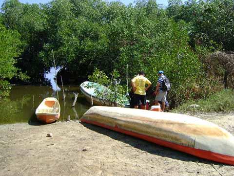 """Pescadores de San José """"El Hueyate"""" urgen intervención de las autoridades, por el gran daño que se ocasiona al medio ambiente."""