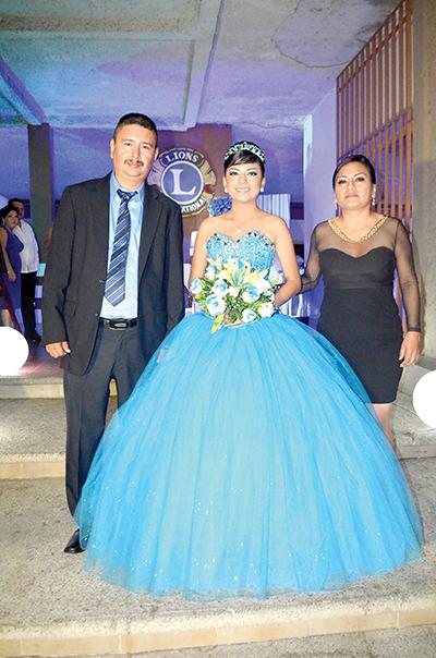 Emilio Santiag, Emely, Maritza Pérez.