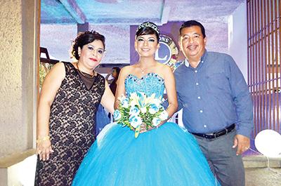 Aida Rizo, Emely Yazuri, Carlos Escobar.