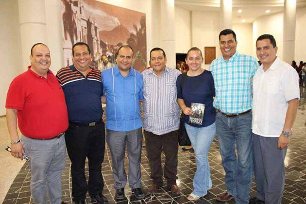Luciano Rosales, Carlos Rosales, José Rosales, Monserrat Sánchez, Roberto Rosales, Luis Rosales.