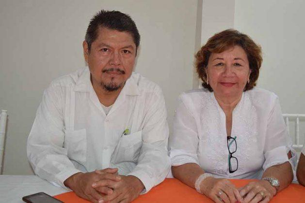 Alejandro Aceituno, Mayté Chang, catedráticos de la UNACH.