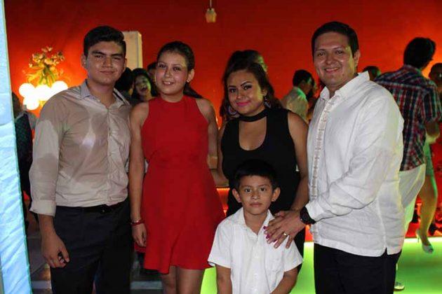 Bryan Zamora, Daniela Loyde, Lupita de Zamora, Enrique, Enrique Zamora Morlet.