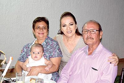 Elia Méndez, Cinthia Palma, Loren Lara, Joaquín Hernández.