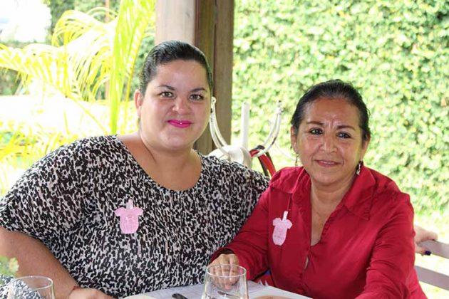 Patricia Parres, Carmen Castillo.