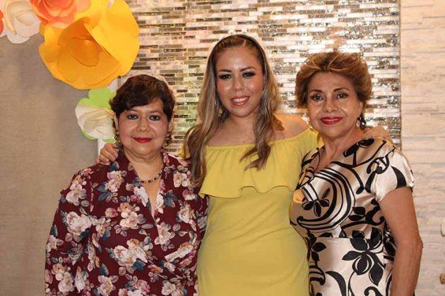 Alicia Palacios, Mariana Cisneros, Martha de Puig.