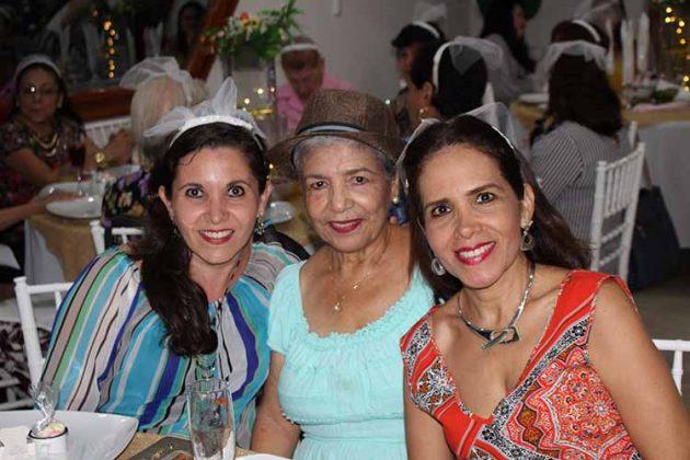 Conny Valladares, Marissa Sarti, Ingrid Leal.