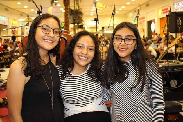 Nicolle Morales, Hazel Morales, Hannia Romero.