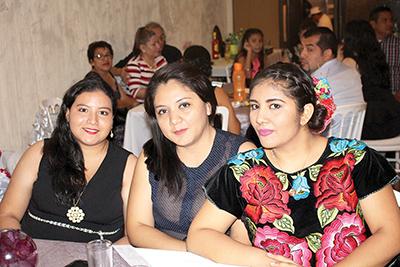 Danna Olvera, Yarely García, Diana Martínez.