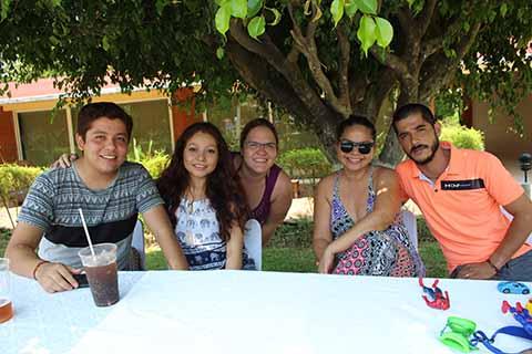 Alejandro Paredes, Martha Paredes, Mariana Guizar, Yuritzy de la Rosa, Miguel Varela.