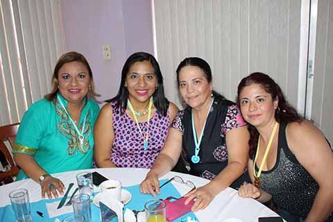 Enedelia Alarcón, Luisa Arciniega, Mary del Pino, Erika Villavicencio.
