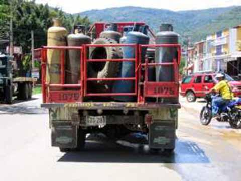 Empresas Gaseras Cometen Abusos Contra Consumidores