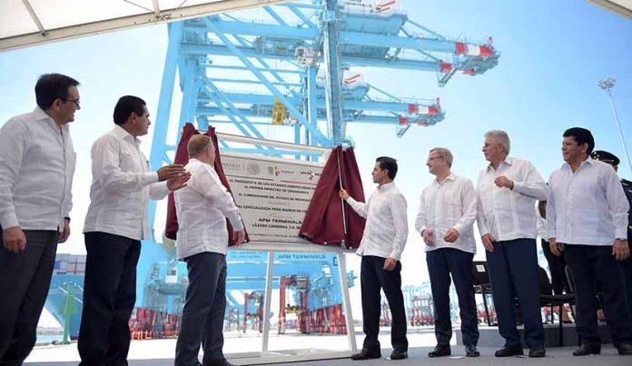Inaugura Peña Nieto Terminal Especializada de Contenedores