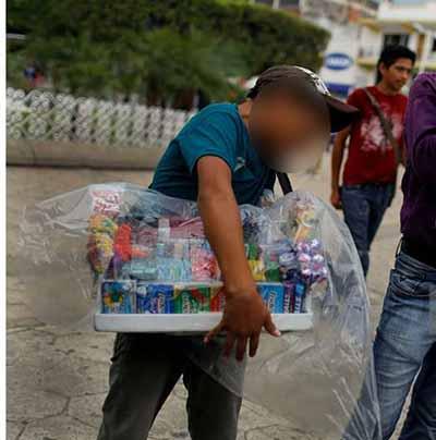 Sufren Explotación Niños y Adolescentes Dedicados a Vender Golosinas