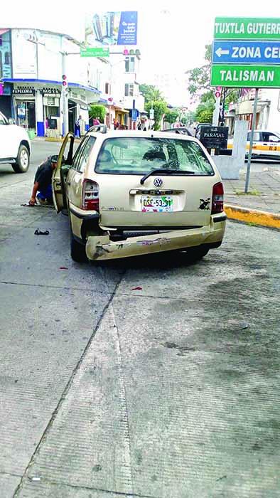Tres Vehículos Dañados en Carambola