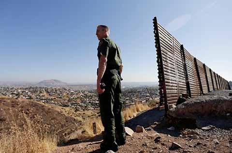 Se Tambalea el Proyecto del Muro de Donald Trump