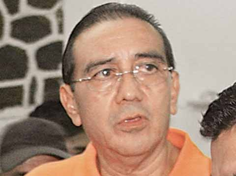 Exigen que También se Aplique la Ley Contra Pablo Salazar