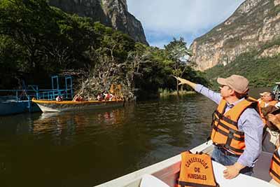 Al realizar un recorrido por dicho lugar, el Ejecutivo estatal resaltó que con estas acciones se coadyuva en la preservación y restauración del patrimonio natural que caracteriza a Chiapas a nivel mundial.