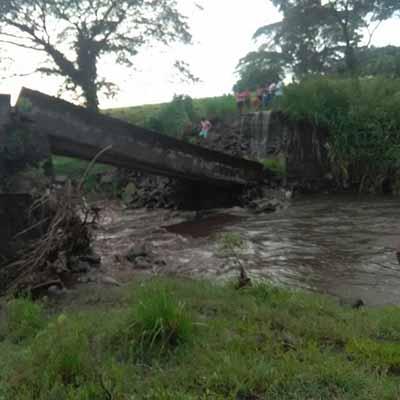 """Piden Reparación de Puente """"Izapa"""""""