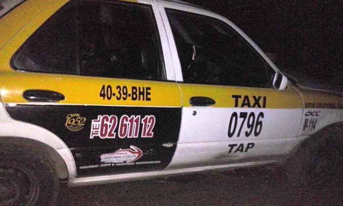 """Recuperan Taxi Robado en la Colonia """"5 de Febrero"""""""