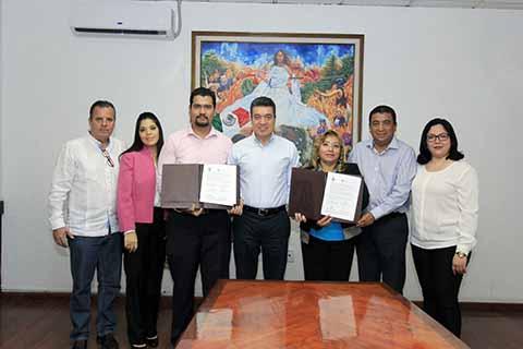 Firma Convenio Rutilio Escandón con Centro de Investigaciones Jurídicas