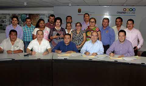Gobierno del Estado y Sindicato de Salud Firman Acuerdos