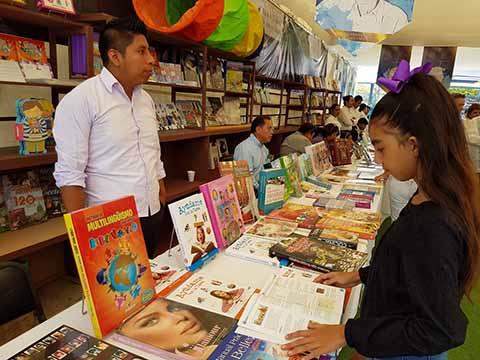Celebra UNACH el Día Internacional del Libro