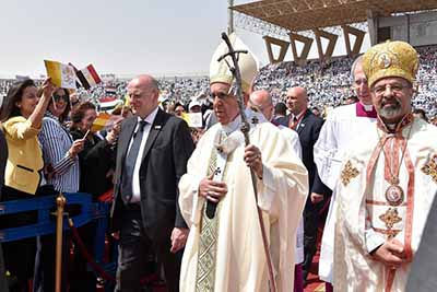 Papa Francisco Pide Paz a EU y Corea del Norte
