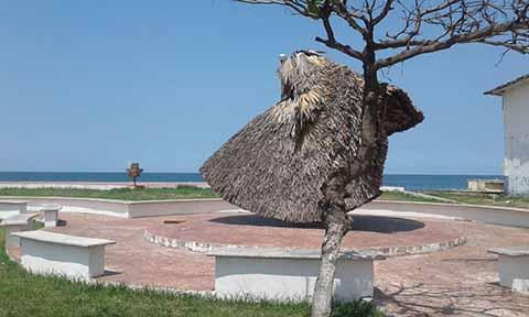Fuerte Oleaje Causa Daños al Malecón de Puerto Chiapas