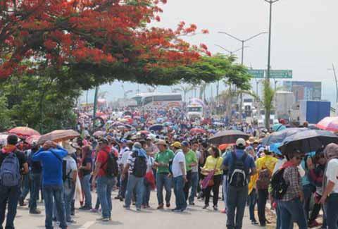 Bloqueos Carreteros Dañan la Economía del Centro del Estado y la Frontera con Guatemala