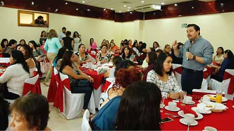 Felicita Fernando Castellanos a Madres Tuxtlecas en su día