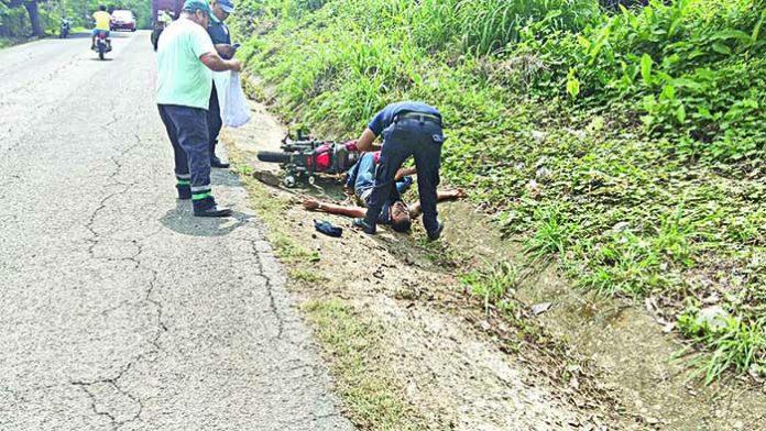 Motociclista Resultó Lesionado al Derrapar
