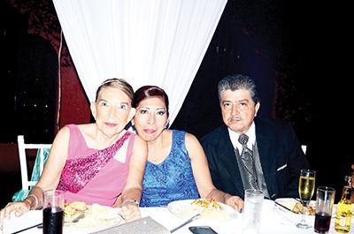 Margarita, Elcira Díaz, Misael Gálvez.