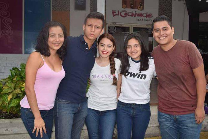 Fernanda Zarate, Brian Wong, Mariel Aguiar, Alejandra Armenta, Rafael Zarate.