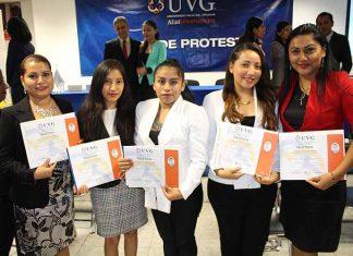 Adilene Morales, Gabriela Velázquez, Ingrid Morales, María Domínguez, Verónica Cigarroa.