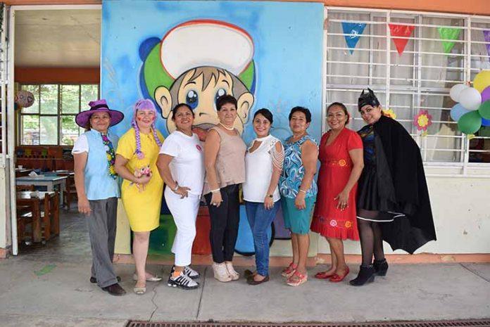 Marlene Sánchez, Mildre Hernández, Reyna Arguello, Karla Coronado, Consuelo Tello, Carmina Vázquez, Vania Ruiz.