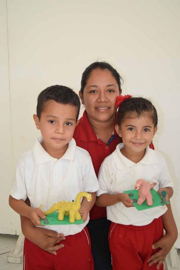Josué , Ana Agustín, Karen Matuz.