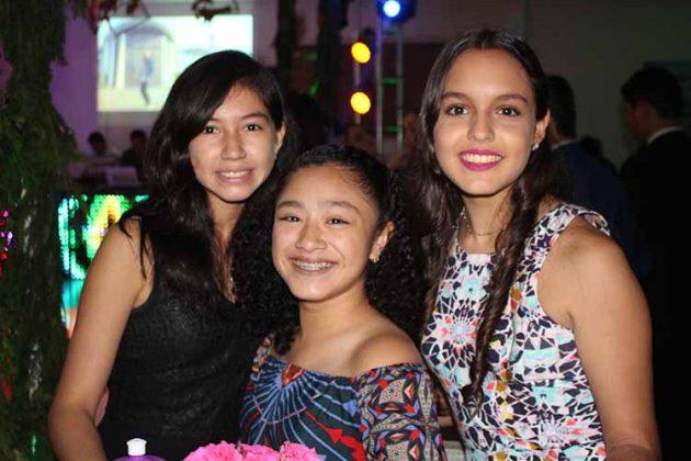 Alessandra Domínguez, Alexa Valencia, Andrea Torres.