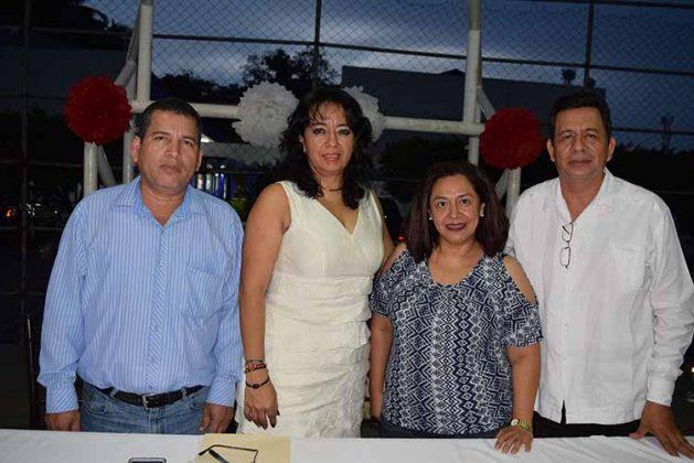 Como invitados especiales estuvieron: Raquel Ríos, Elba Mónica Solórzano, Gabriela de los Ángeles, Horacio López.