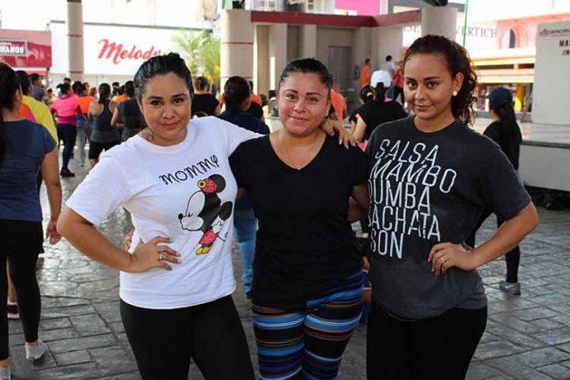 Sandy Trejo, Iliana González, Merary Trejo.