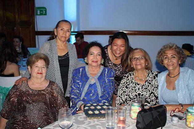 Malena Culebro, Martha de Sumuano, Esthelita Cruz Vda. de Zamora, Martha Sumuano, Aura Barrios, Azalea Cruz.