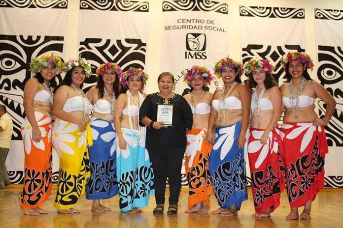 La Directora del Ballet Polinesio