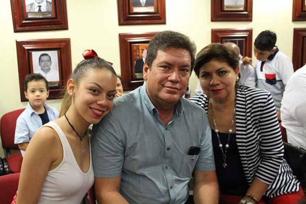 Nancy Ochoa, Romeo Ochoa, Nancy Canel.