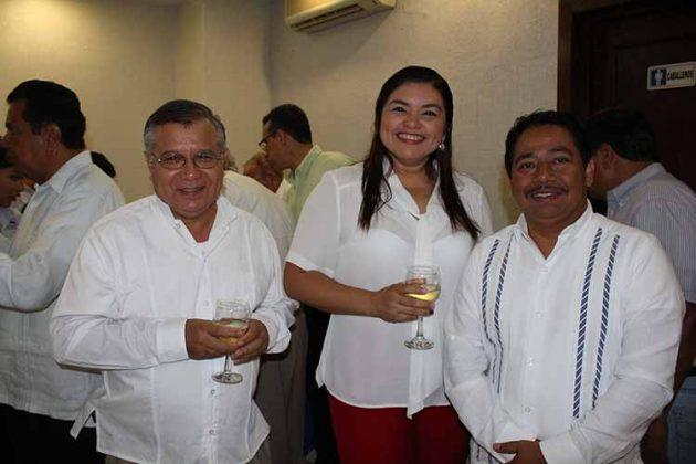 Héctor López, Elisa Rosales, Ramón Ruiz.