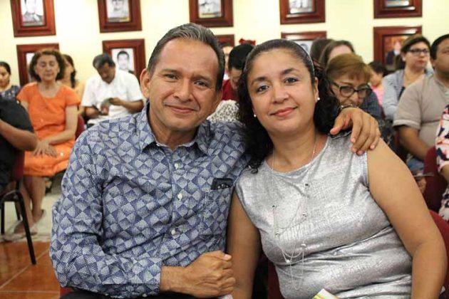 Carlos Álvarez & Rebeca León.