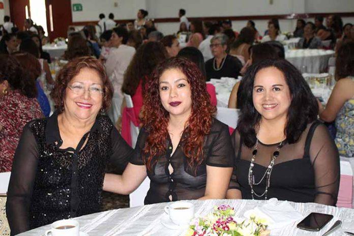 Sonia Jiménez, Elizabeth Valencia, Consuelo Monterrosa.