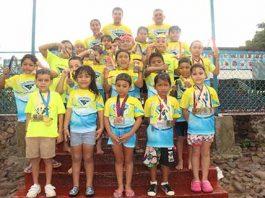 Nadadores se Preparan Para Estatal Infantil